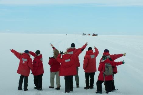 Antarctica_TraverseDeparture_jtthomas-8761