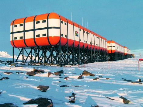 antarctic-station1